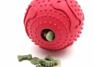 Игрушка для собак мяч с кормом